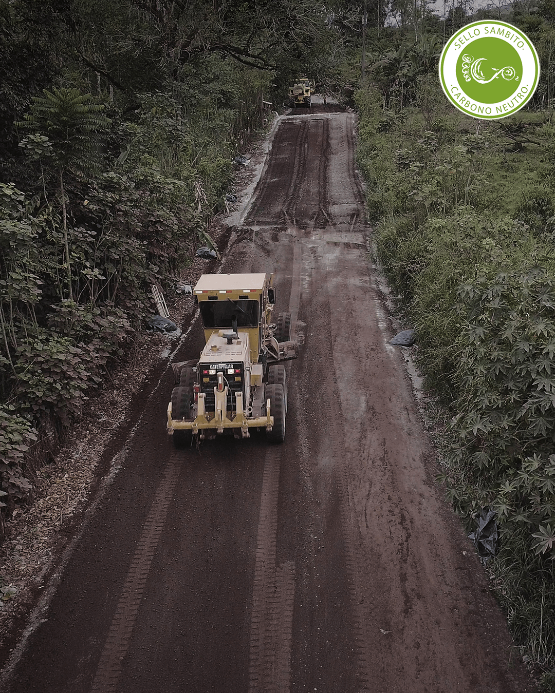 Our base road solution now has a neutral carbon footprint endorsed by Sambito, because we managed to reduce greenhouse gas emissions by 51% compared to the traditional method. Galápagos is an archipelago that must watch over its ecosystem, that's why Base Vial was the ideal solution to stabilize its roads.